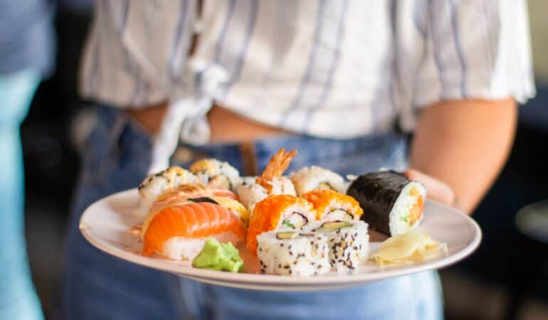 why Japanese eat raw fish