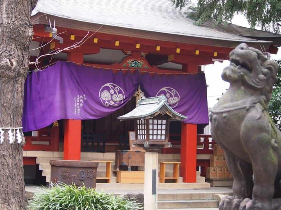 歴史ある神社、